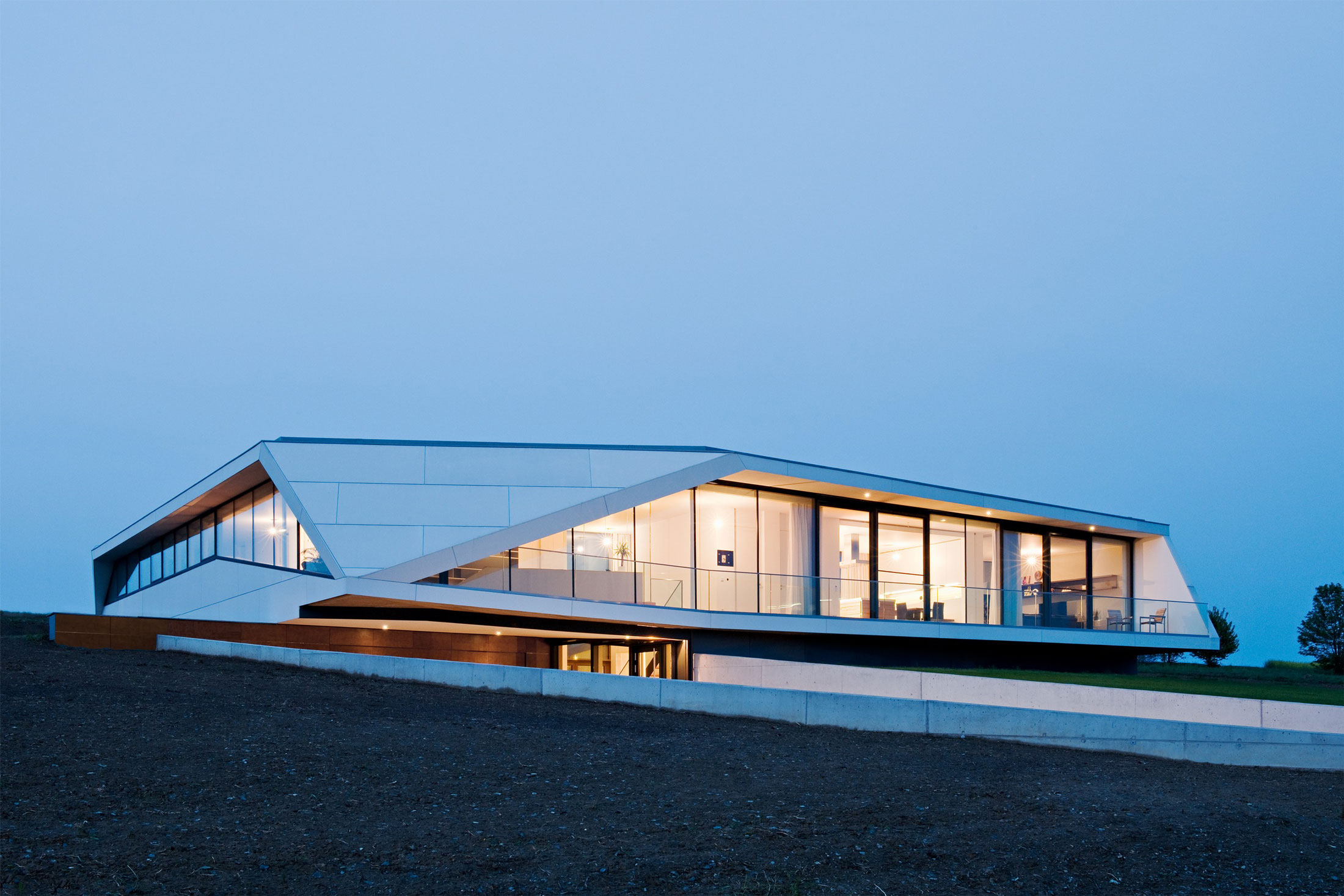 L House by Architects Collective (21)