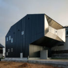 Hansha Reflection House by Studio SKLIM (2)