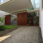Satu House by Chrystalline Architect (2)