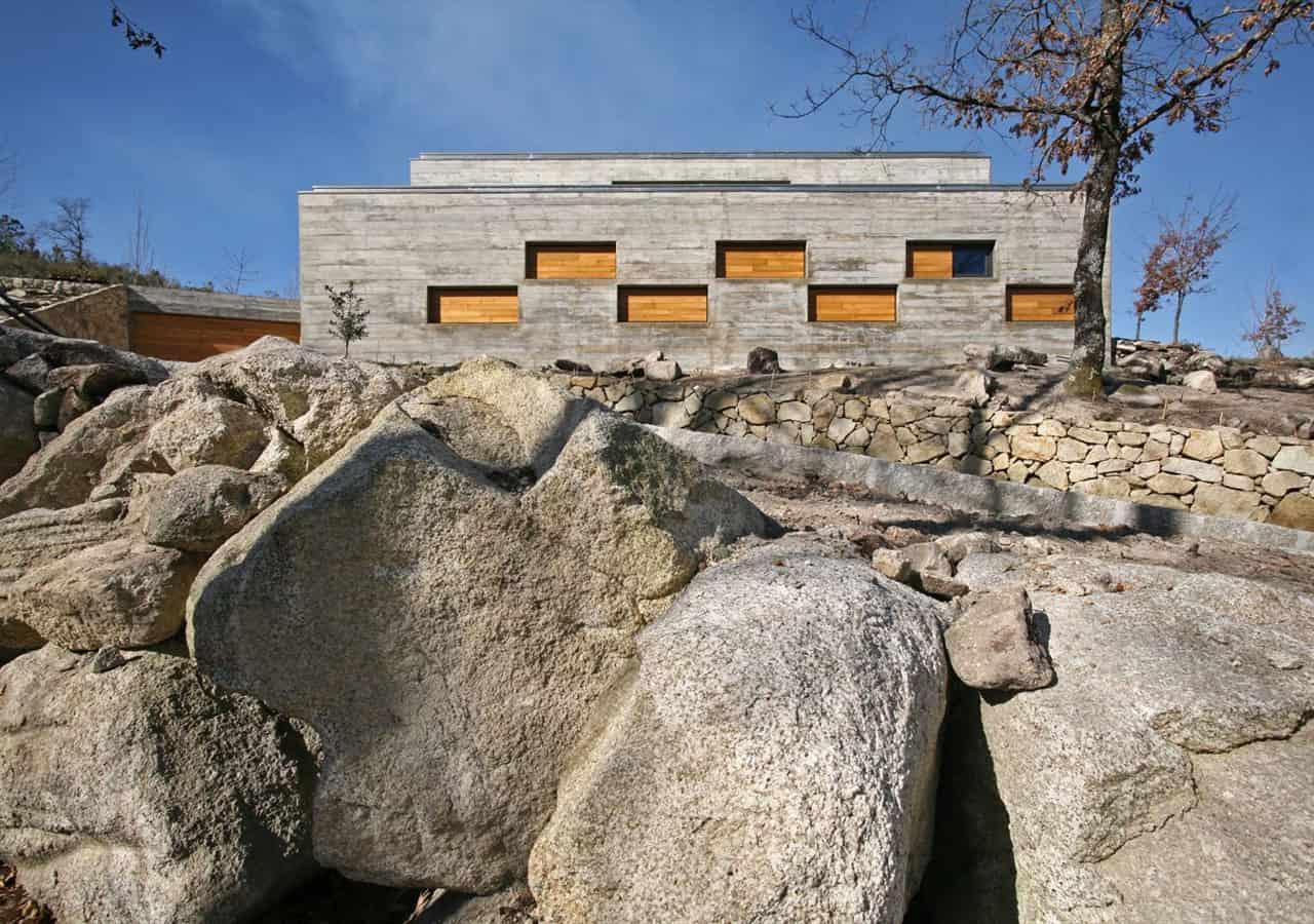 Casa da Ladeira by Oficina d'Arquitectura
