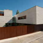 Casa em Aldoar by Topos Atelier de Arquitectura (1)