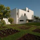 Casa em Aldoar by Topos Atelier de Arquitectura (5)