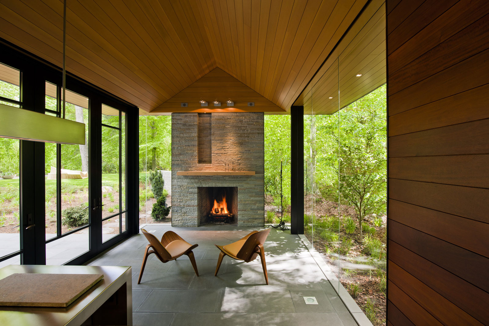 pool and garden pavilion by robert gurney architect