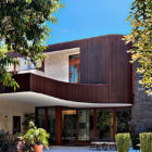 Art-filled Home in Beverly Hills California (1)