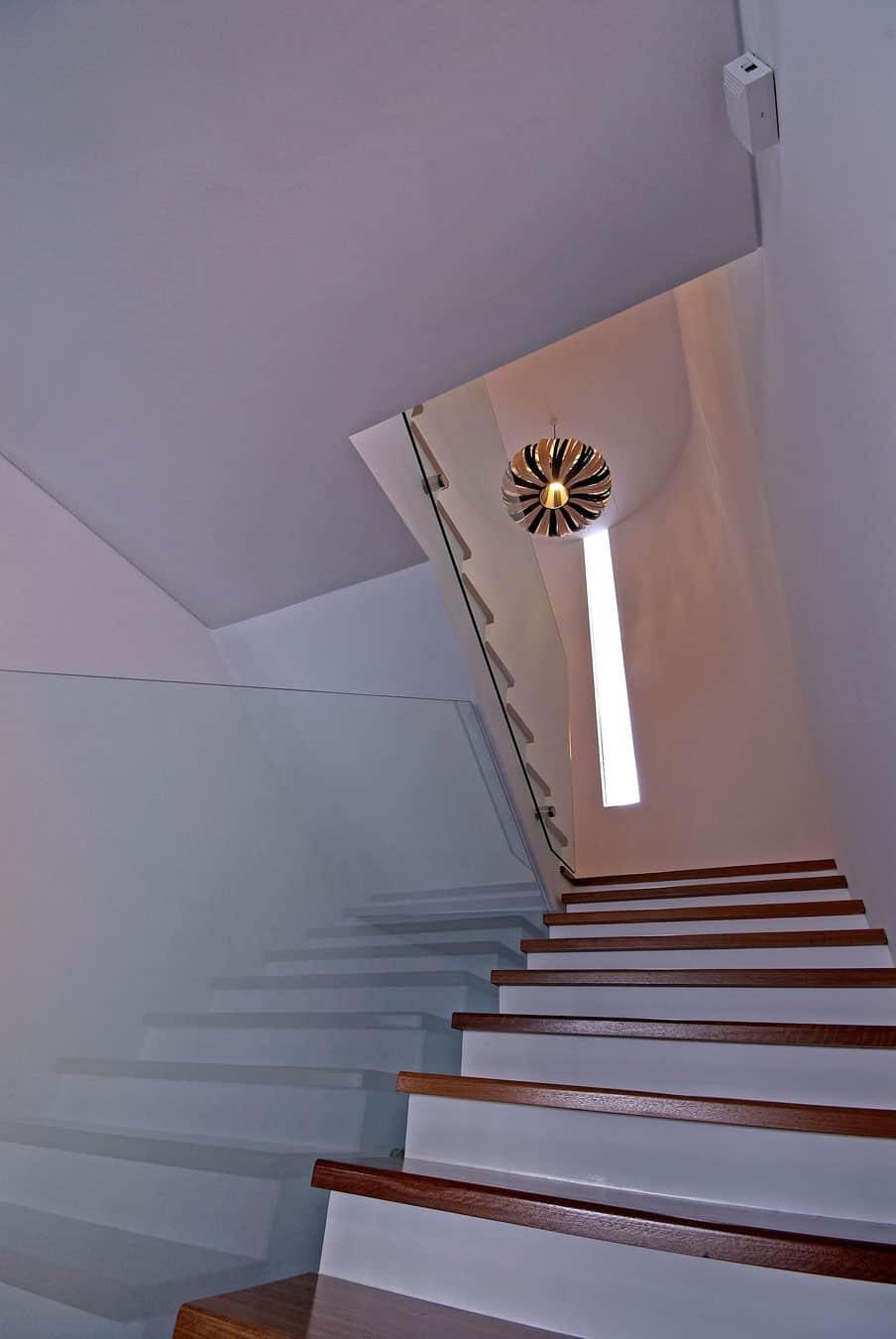 Hillside Bungalow Remodel by Interlink Design Solutions (15)