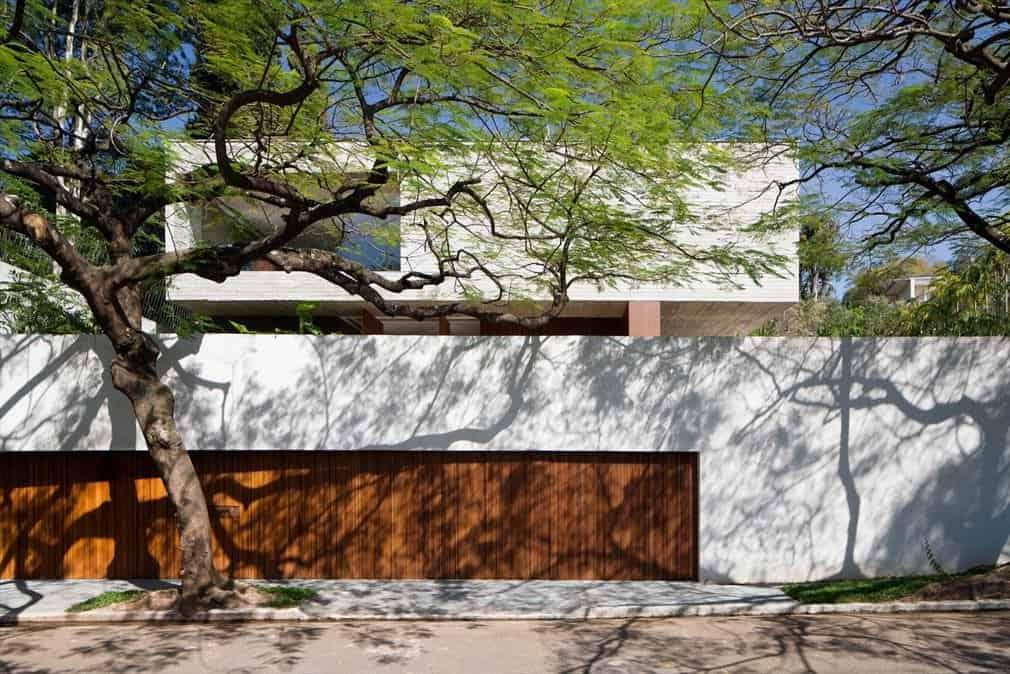 Ipês House by Studio MK27 (1)