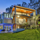 Luxury Contemporary Home on Brisbane River (2)