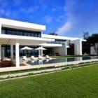 Stunning Waterfront Modern Masterpiece by Ralph Choeff in  Miami Beach (1)
