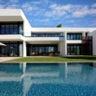 Stunning Waterfront Modern Masterpiece by Ralph Choeff in  Miami Beach (2)