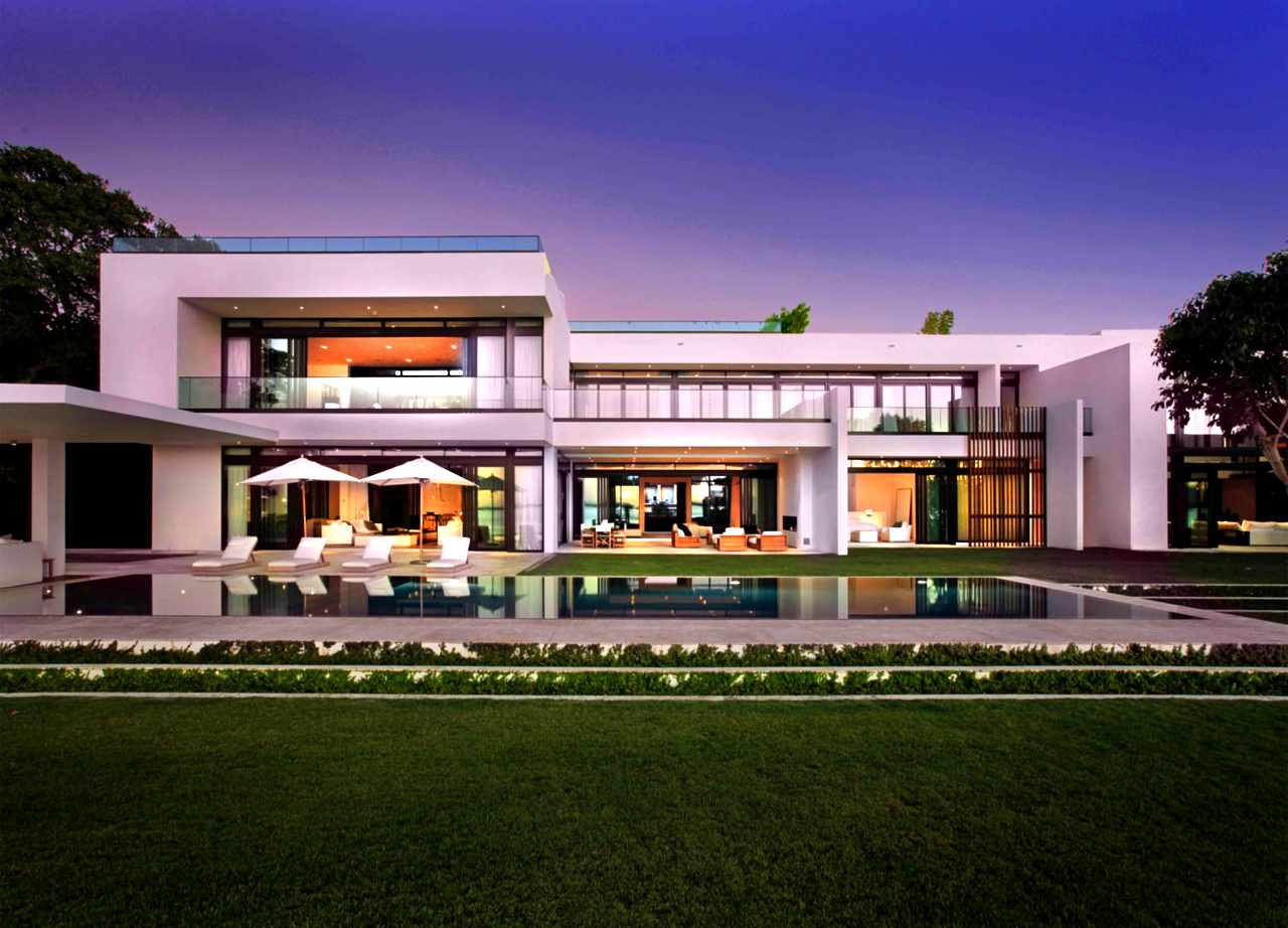 Stunning waterfront modern masterpiece by ralph choeff in miami beach