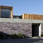 La Dehesa House by Elton Leniz Arquitectos Asociados (3)