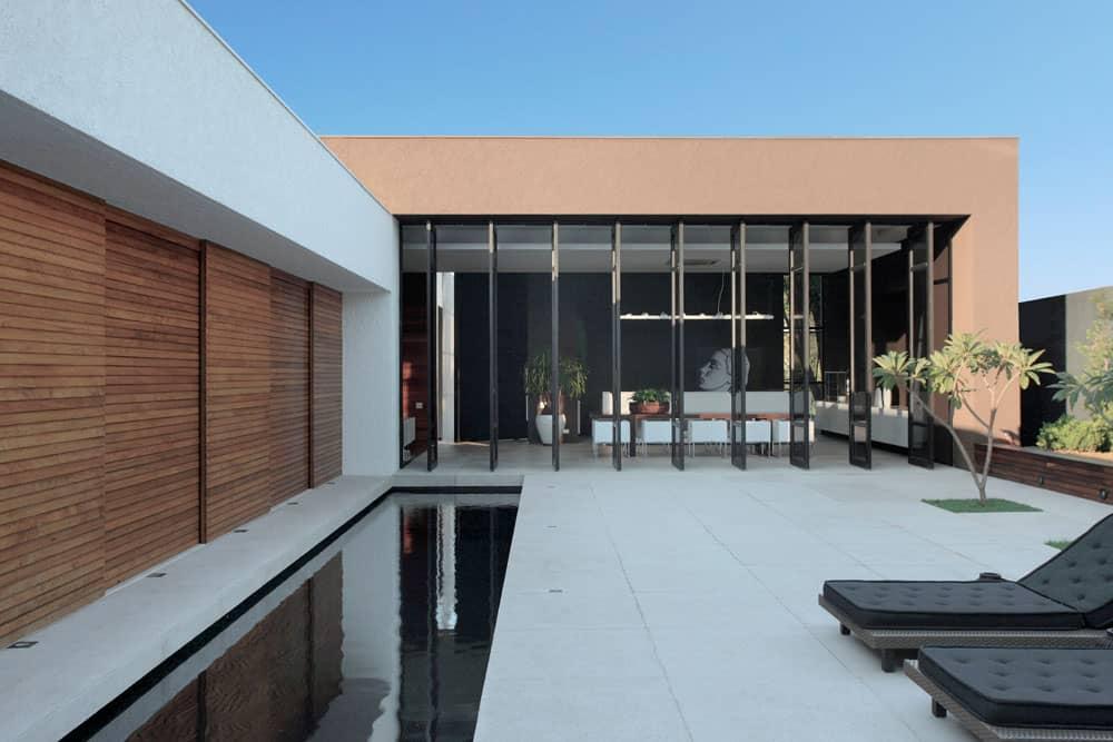 OM House by Studio Guilherme Torres (4)