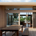 Beach House at Point Lonsdale by Studio101 (3)