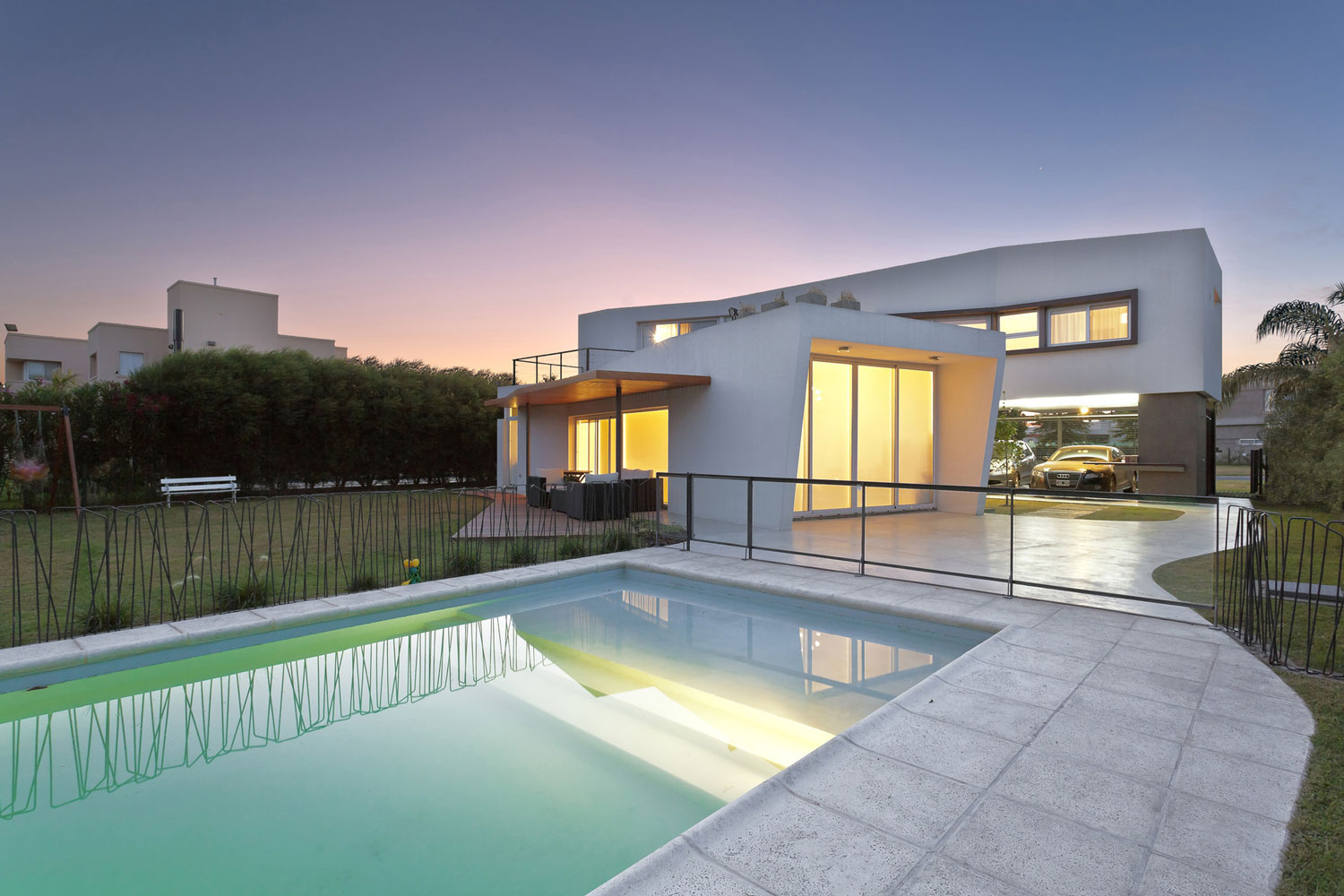 House v by i gc arquitectura for V shaped house