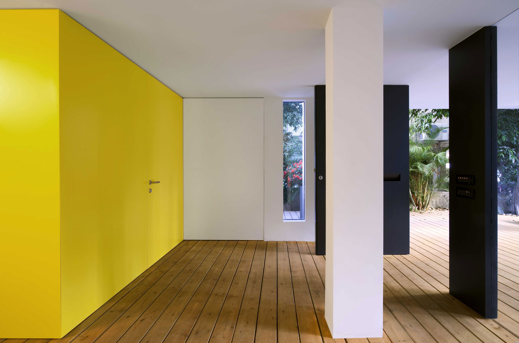 Townhouse Tel Aviv by Levy:Chamizer Architects (14)
