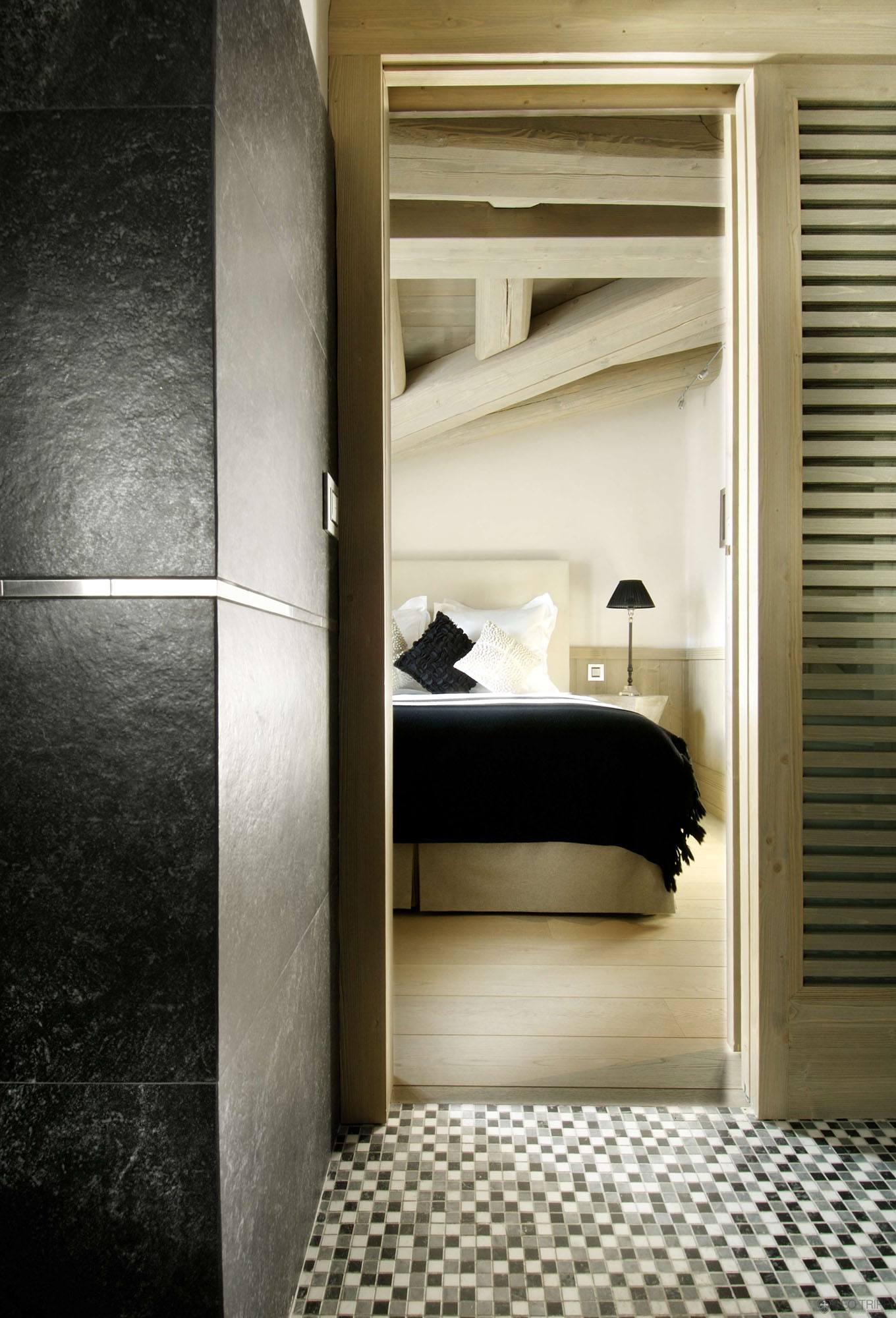 Chalet Black Pearl by Philippe Capezzone (6)