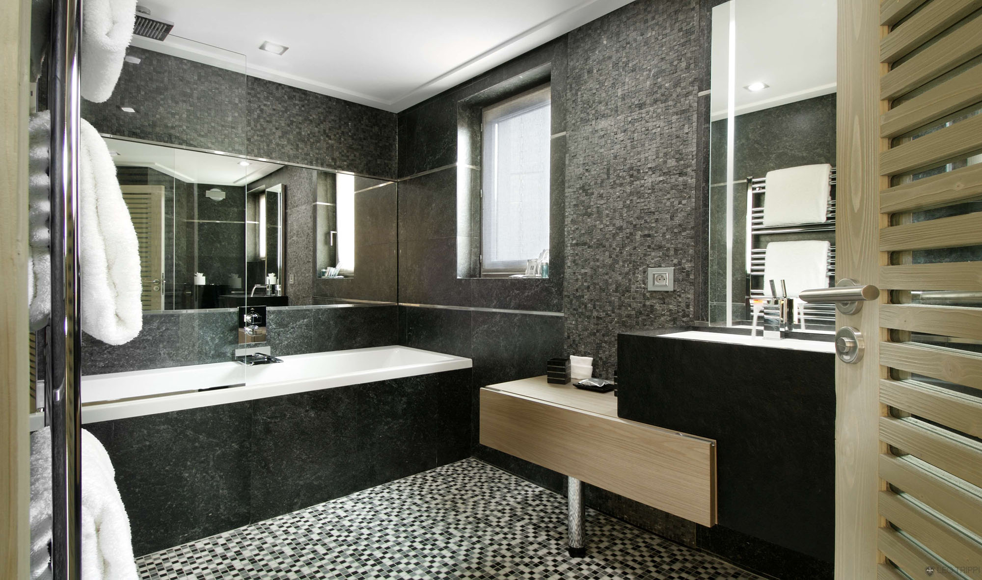 Chalet Black Pearl by Philippe Capezzone (14)