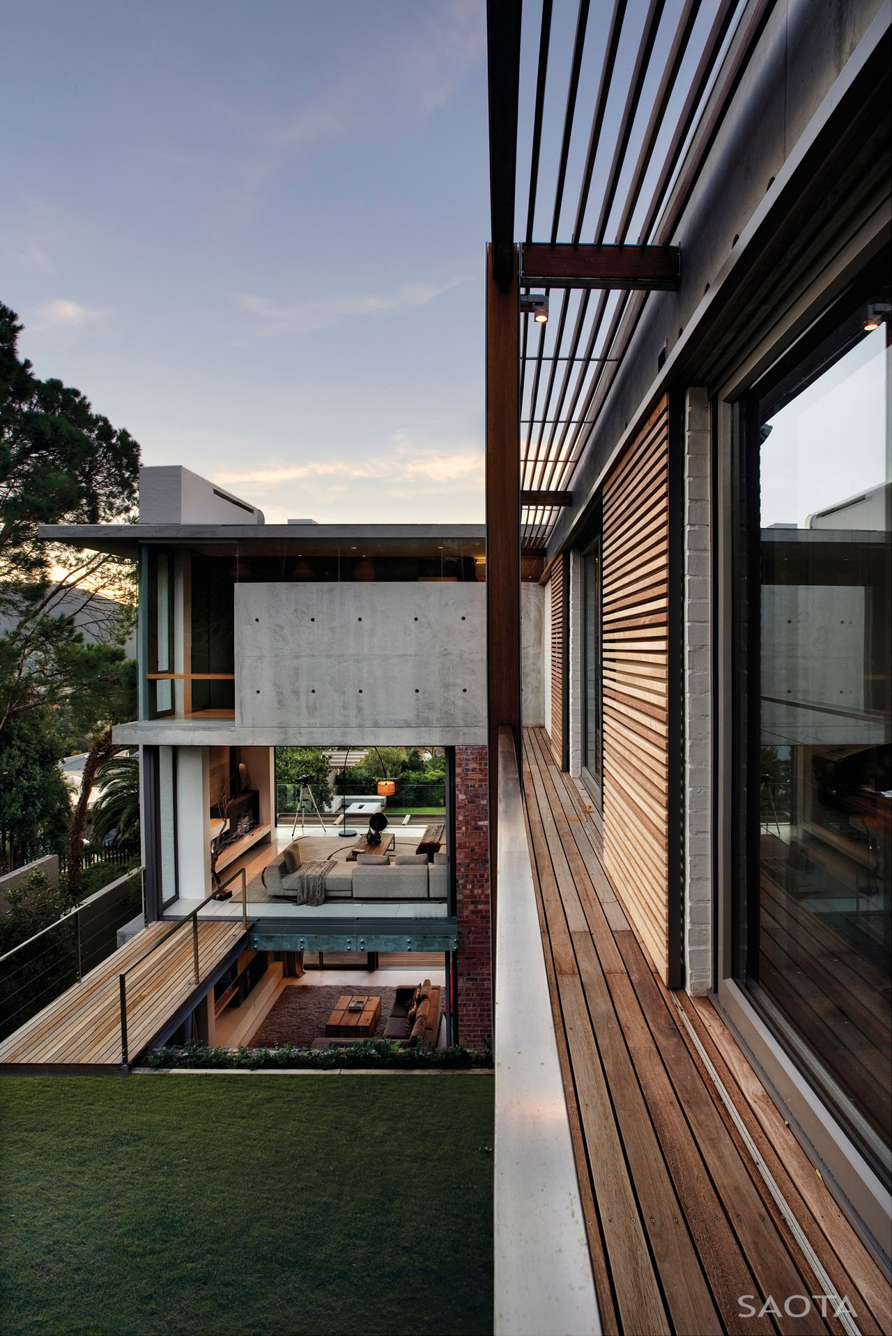 Glen 2961 House by SAOTA and Three 14 Architects
