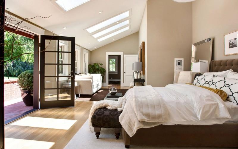 Schlafzimmer modern beige  Ralston Avenue Residence by Urrutia Design