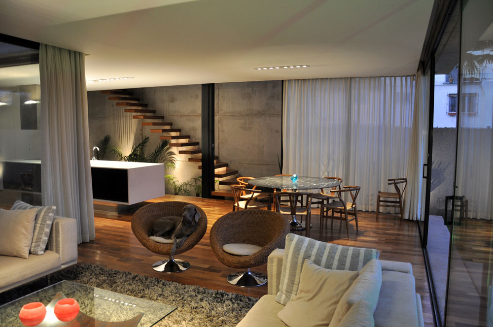 Casa Marielitas by Estudio Dayan Arquitectos