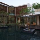 Courtyard House by Hiren Patel (2)