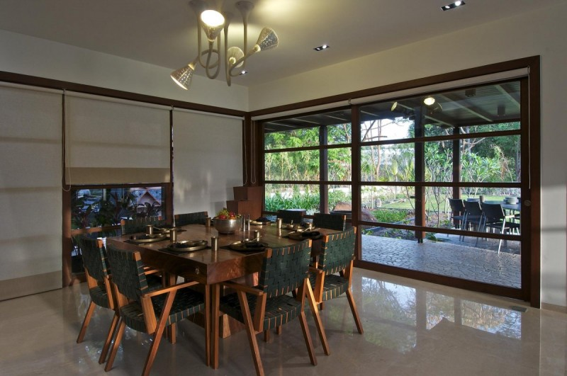 Courtyard house by hiren patel architects - Maison courtyard hiren patel architects ...