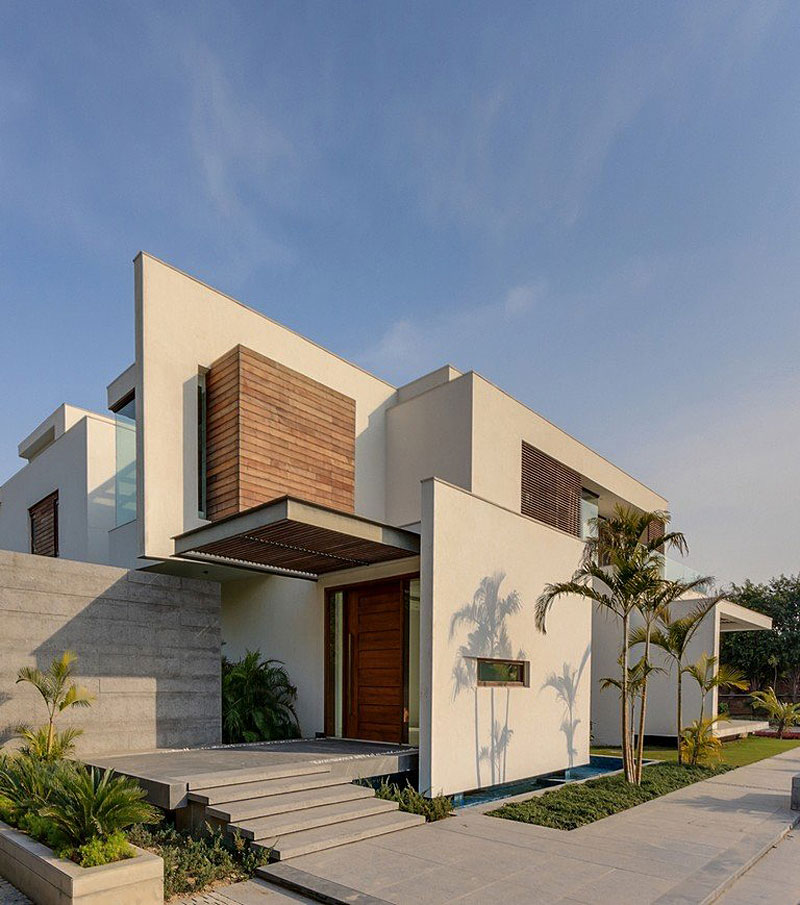 Awesome E4 House By DADA Partners Design