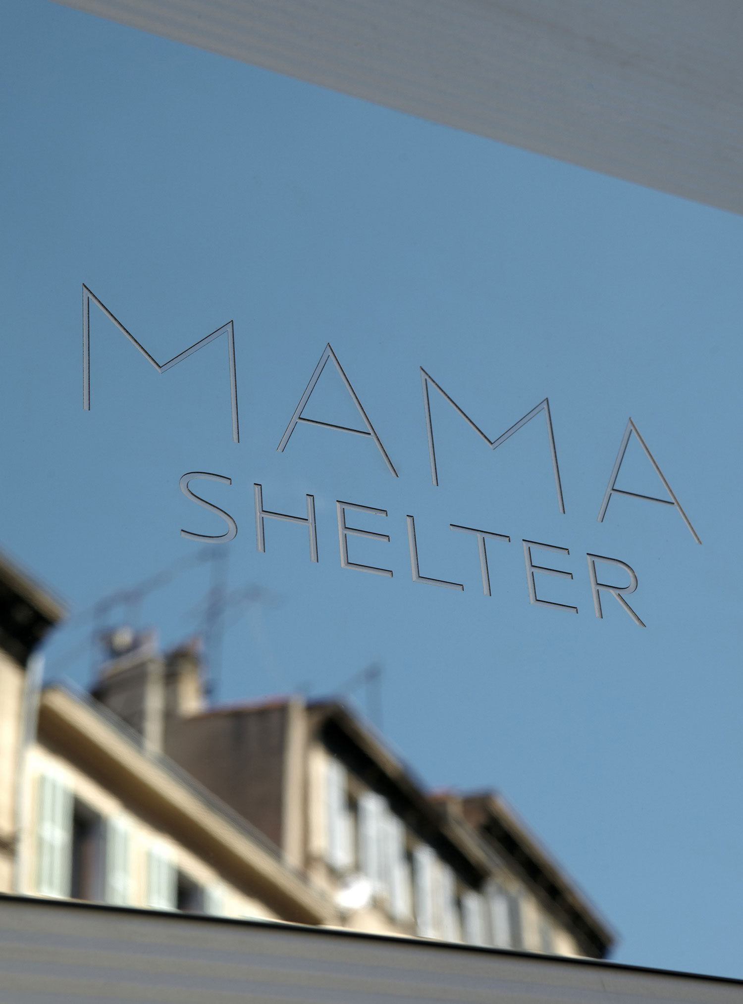 Mama Shelter by Philippe Starck (2)