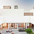 Villa Extramuros by Vora Arquitectura (4)
