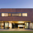 Elizabeth Street Residence by Jackson Clements Burrows (4)