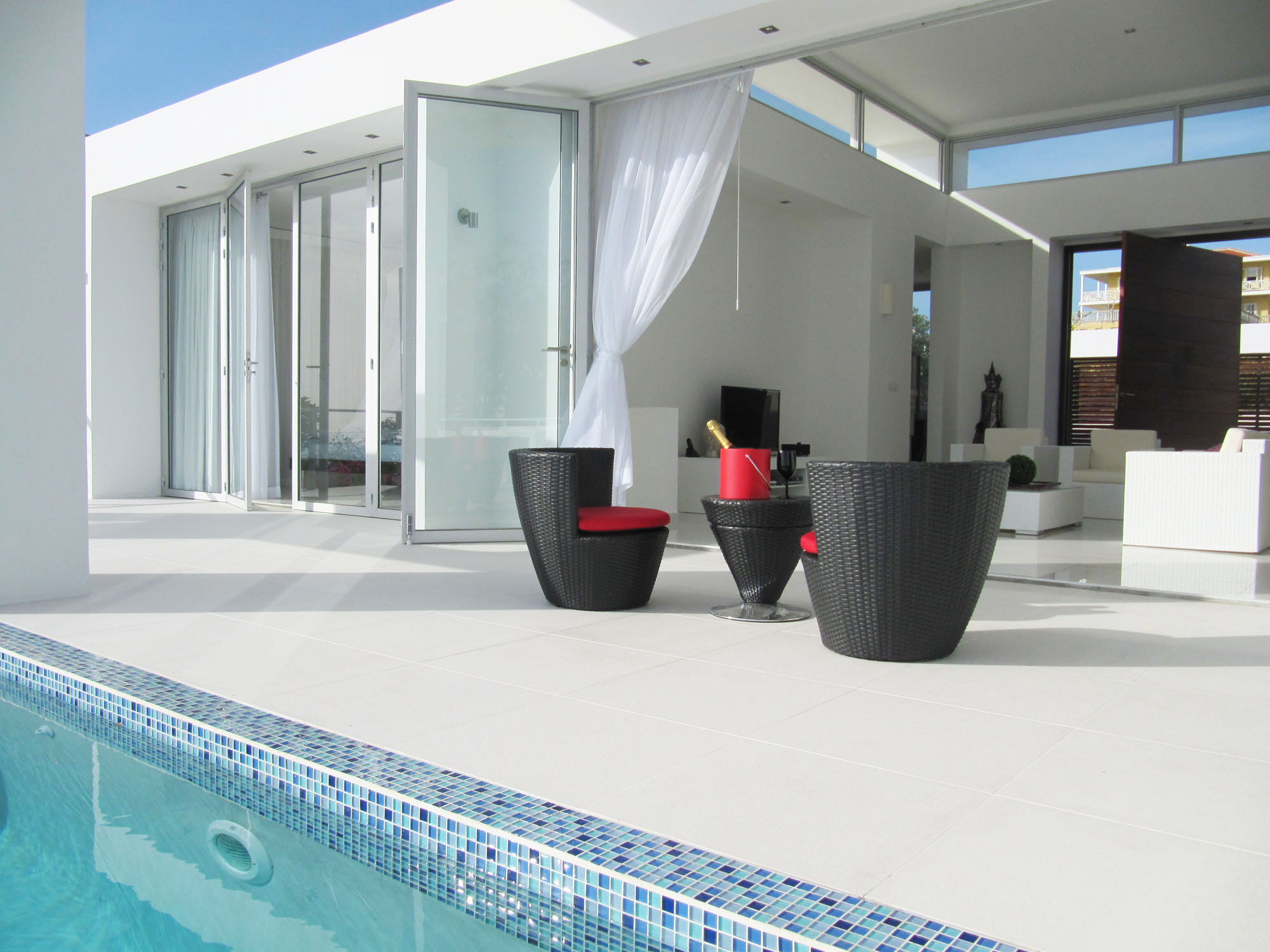 Oceanvillas Curacao, a Modern Gem in the Caribbean Sea (8)