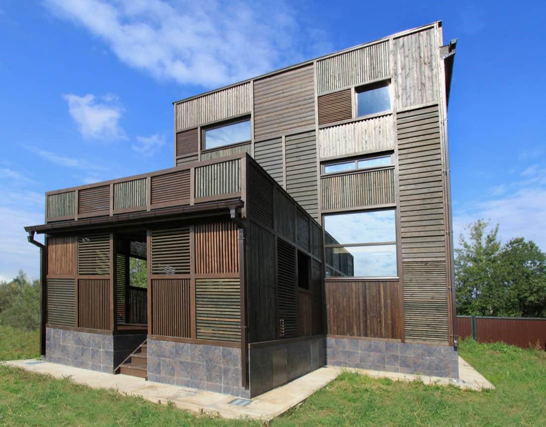 Volga House by Peter Kostelov