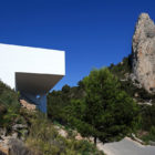 ALT | House on the Cliff by Fran Silvestre Arquitectos (3)