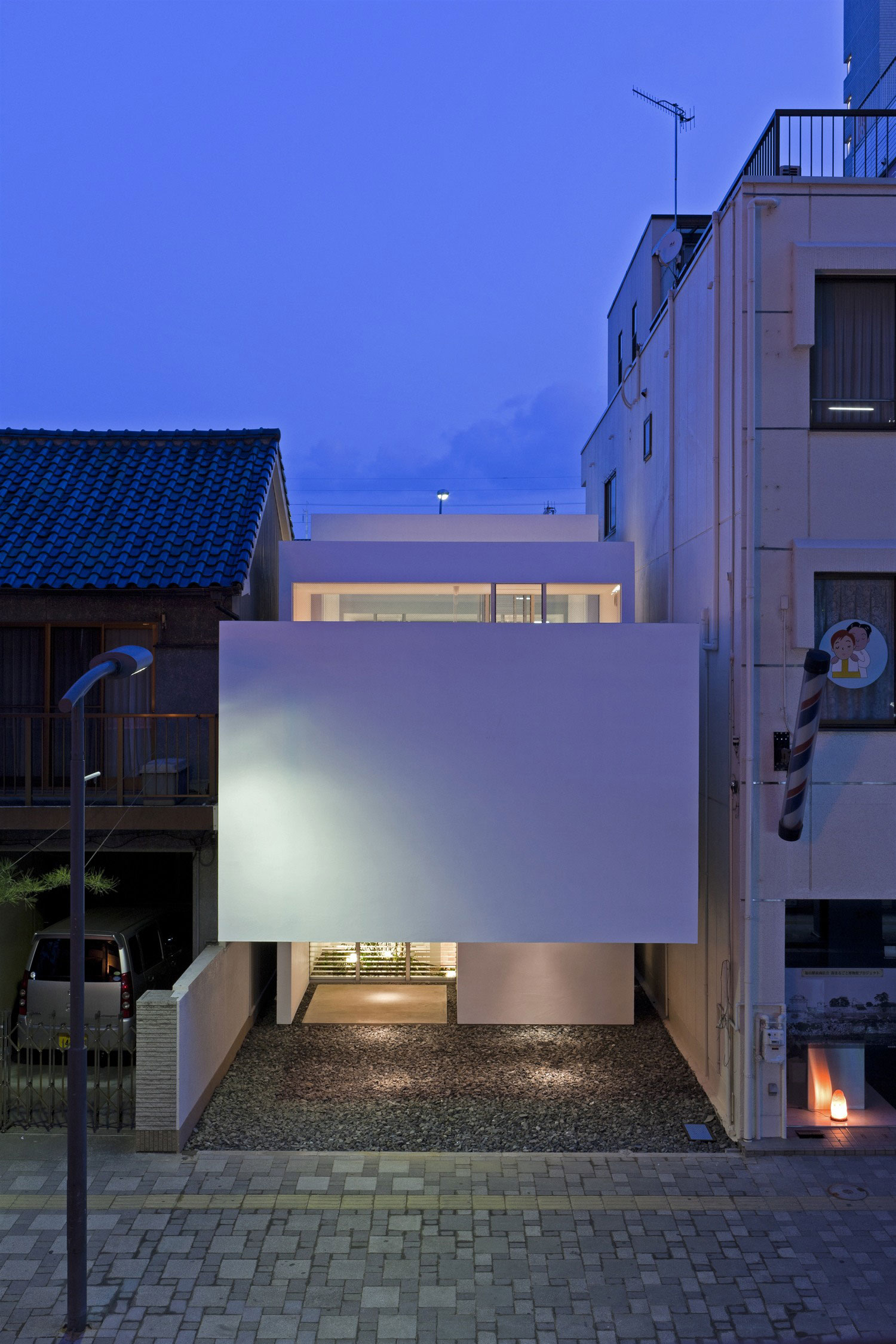 Machi House by UID Architects & Associates