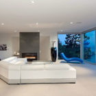 Calm and Cool Contemporary Residence in West Vancouver (4)