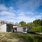 Riverside House by Keiji Ashizawa (1)