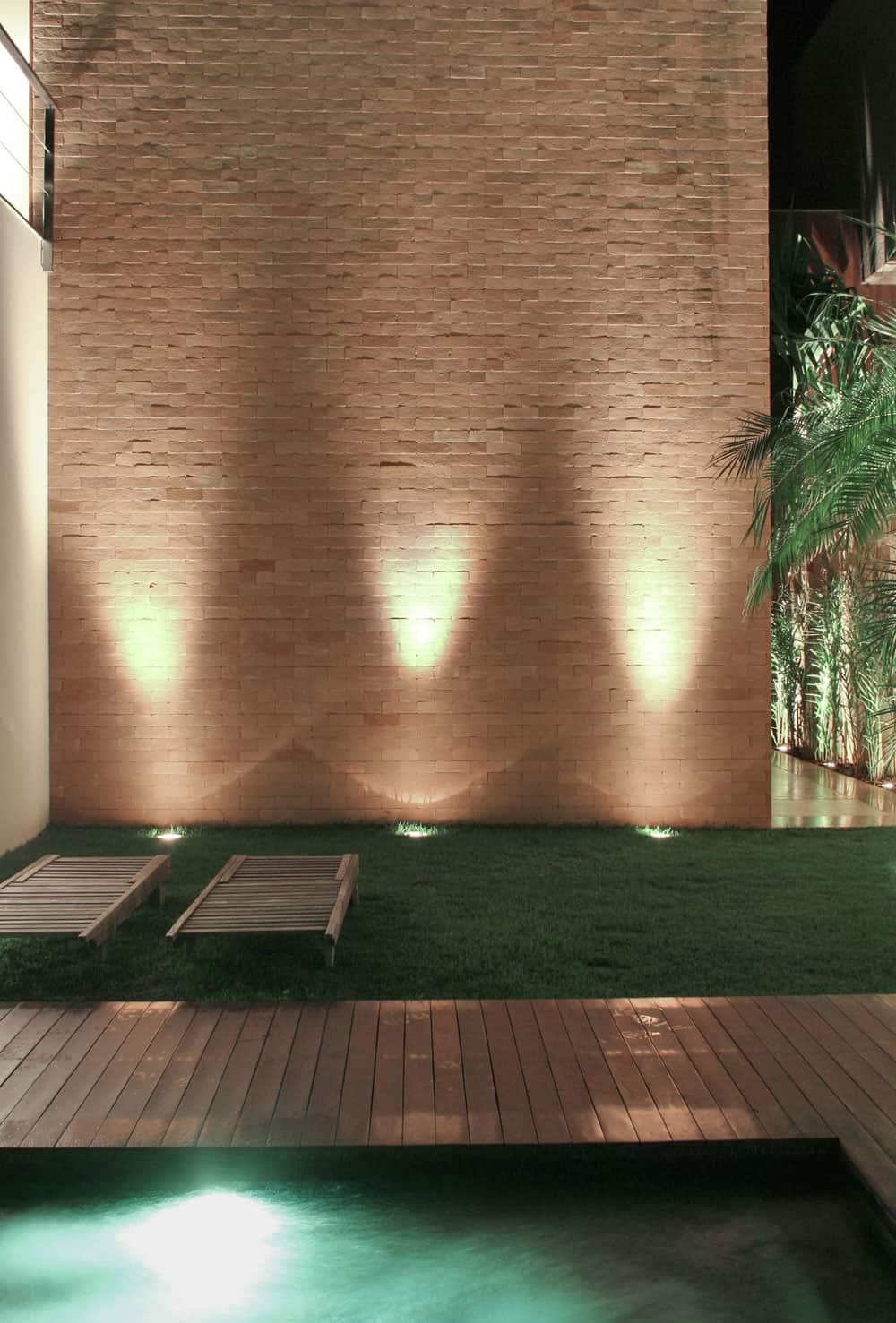 SF House by Studio Guilherme Torres (6)