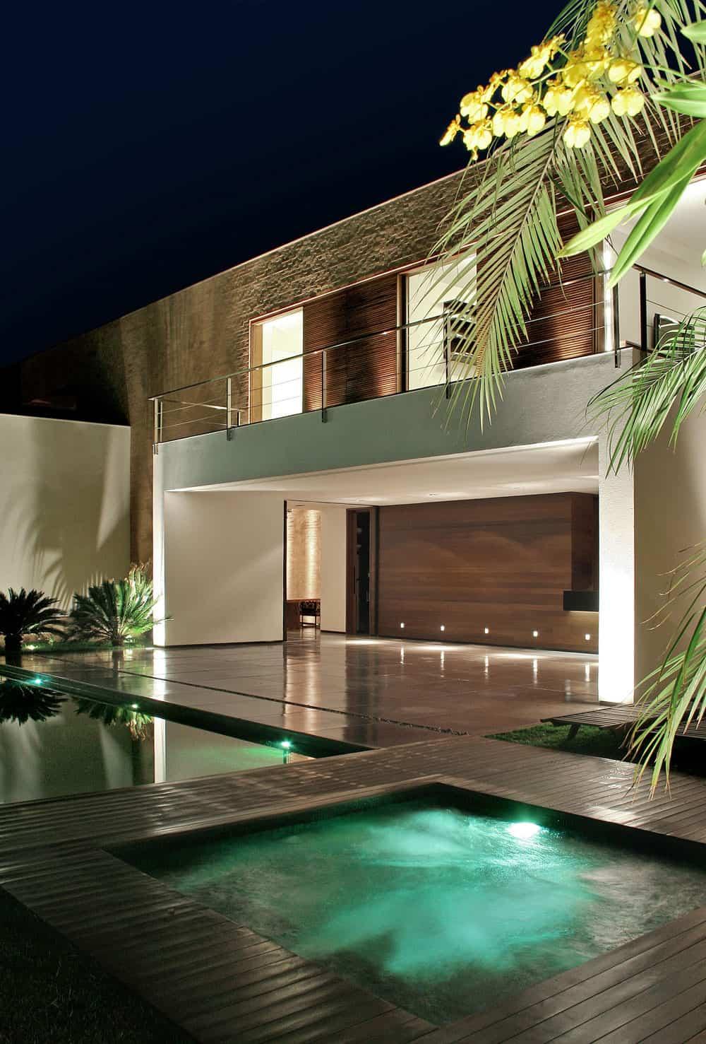 SF House by Studio Guilherme Torres (7)