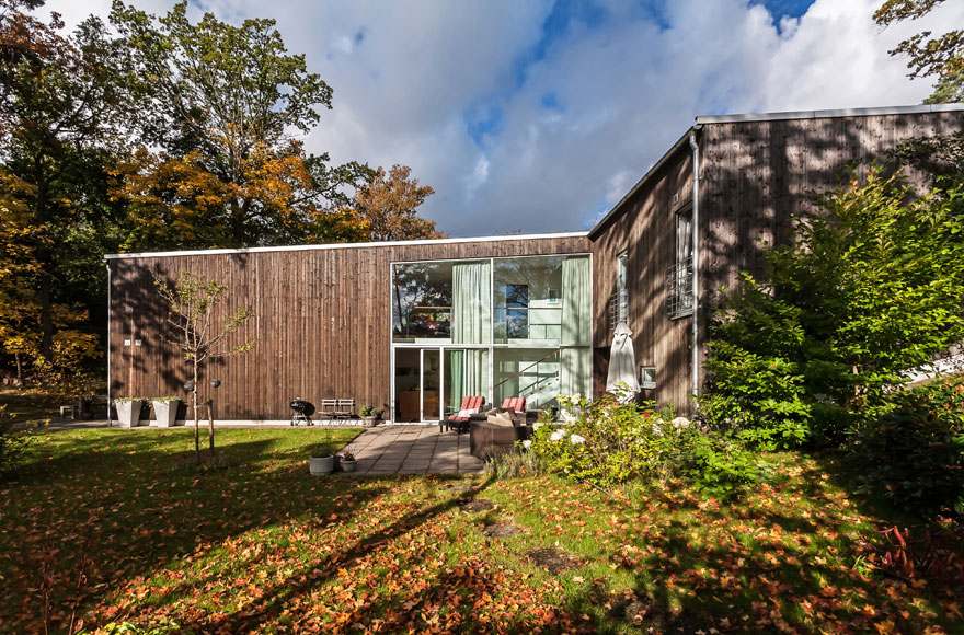 Spacious Home in Danderyd by Franson Wreland Architects (2)