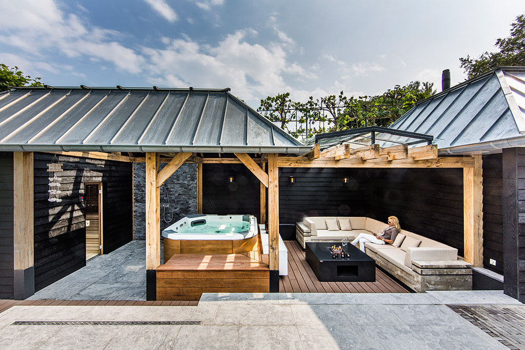Aquatic Backyard by Centric Design Group (9)