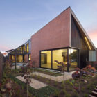 Harold Street Residence by Jackson Clements Burrows (5)