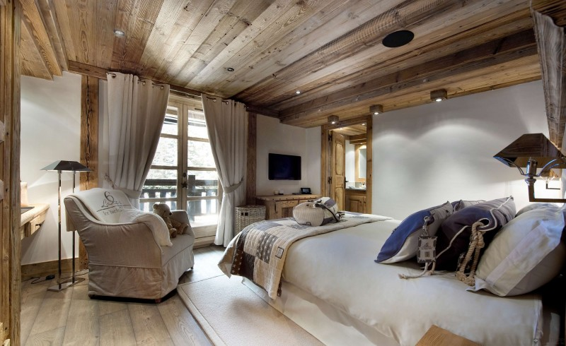 The Petit Chateau A Luxury Ski Chalet In Courchevel