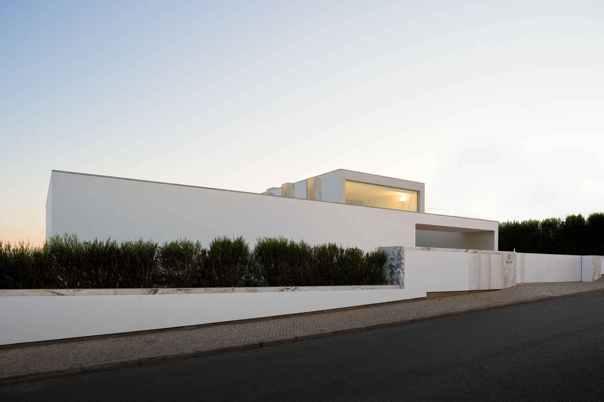 House in Martinhal by ARX Portugal (3)