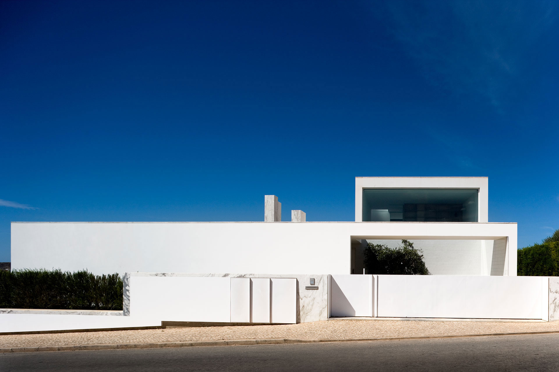 House in Martinhal by ARX Portugal (4)