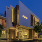 Overhang-House-40