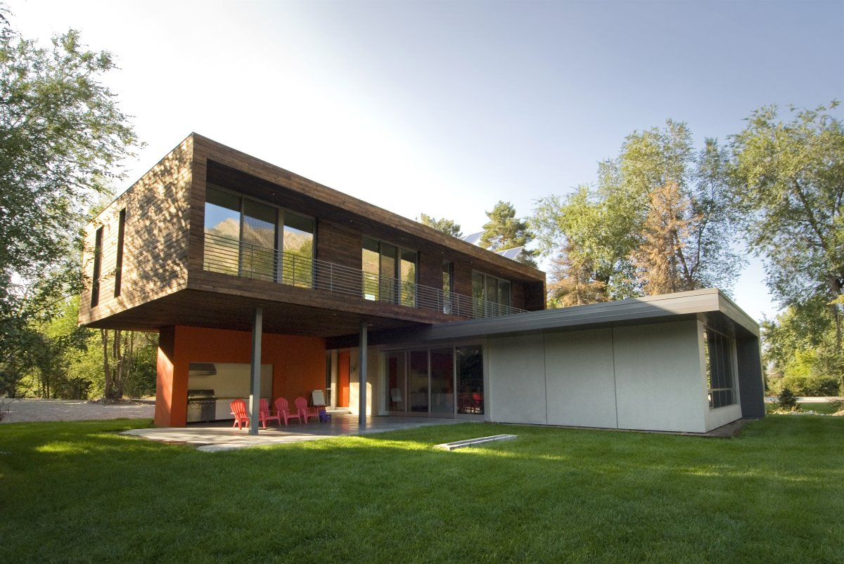 Cantilever House by Imbue Design (3)