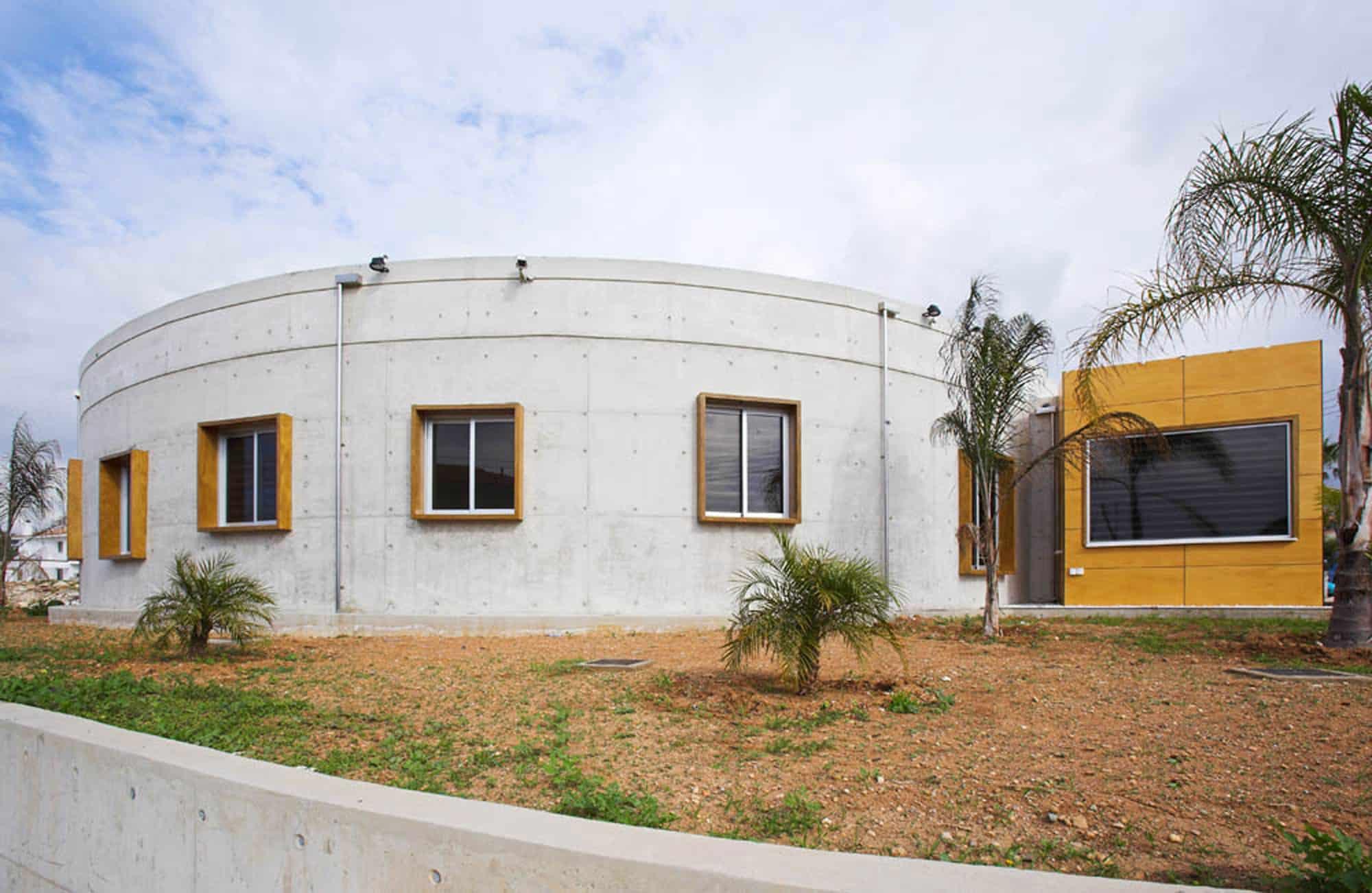 Loukas Residence by Vardastudio Architects Designers (2)