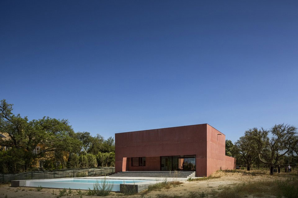 Three Courtyards House by Miguel Marcelino (1)