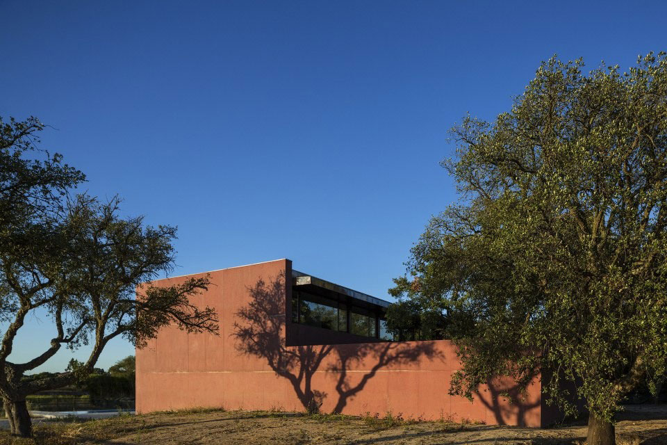 Three Courtyards House by Miguel Marcelino (3)