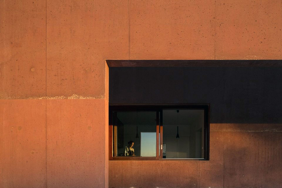 Three Courtyards House by Miguel Marcelino (10)